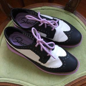 Sketchers Wingtip Hybrid Sneaker Shoes